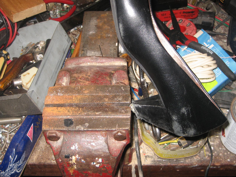 how to repair high heel shoes for a few dollars travis 39 blog. Black Bedroom Furniture Sets. Home Design Ideas